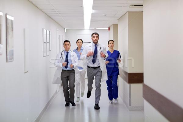 группа ходьбе больницу клинике люди Сток-фото © dolgachov