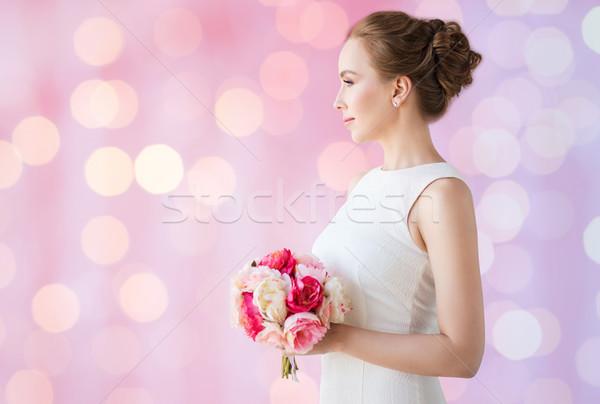 Menyasszony nő fehér ruha virág köteg ünnepek Stock fotó © dolgachov
