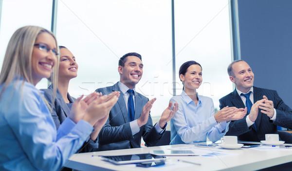 ビジネスチーム ノートパソコン 拍手 手 ビジネス 技術 ストックフォト © dolgachov