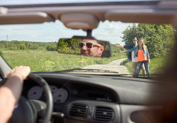 Coppia auto campagna strada viaggio Foto d'archivio © dolgachov