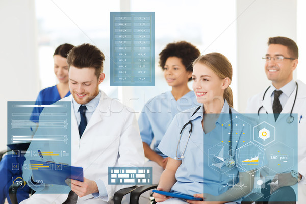 Grupo feliz médicos seminário hospital medicina Foto stock © dolgachov