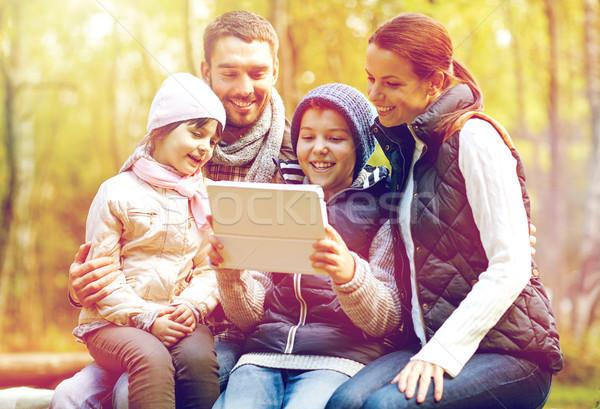 Stockfoto: Familie · vergadering · bank · kamp · reizen