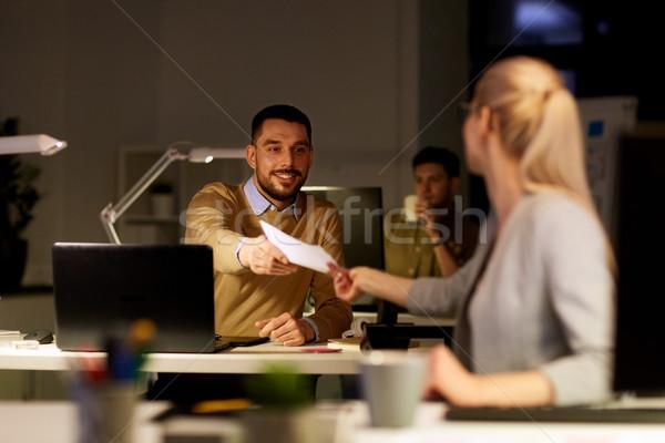 Сток-фото: документы · рабочих · поздно · служба · бизнеса
