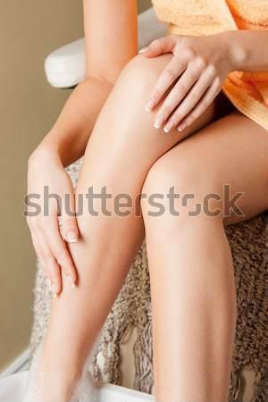 Piękna topless kobieta jasne zdjęcie biały Zdjęcia stock © dolgachov