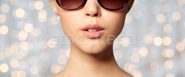 Stok fotoğraf: Güzel · bir · kadın · siyah · güneş · gözlüğü · gözlük