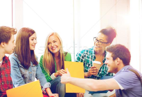 Zdjęcia stock: Studentów · śmiechem · szkoły · edukacji · kawy