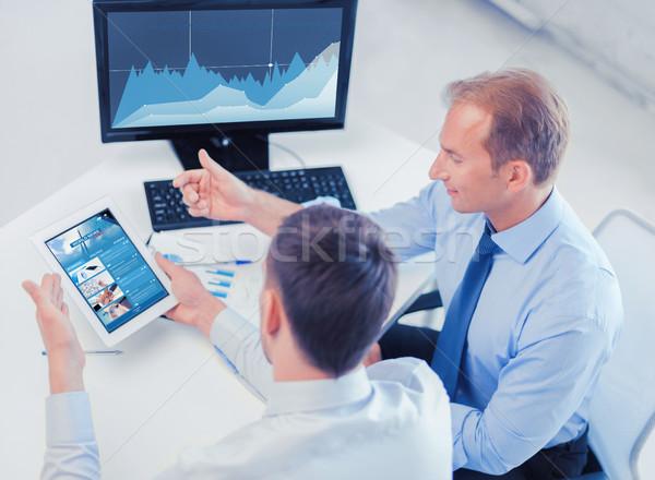 üzletemberek táblagép számítógép iroda üzlet technológia Stock fotó © dolgachov