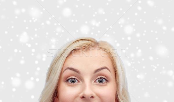 Boldog fiatal nő tinilány arc kíváncsiság tél Stock fotó © dolgachov