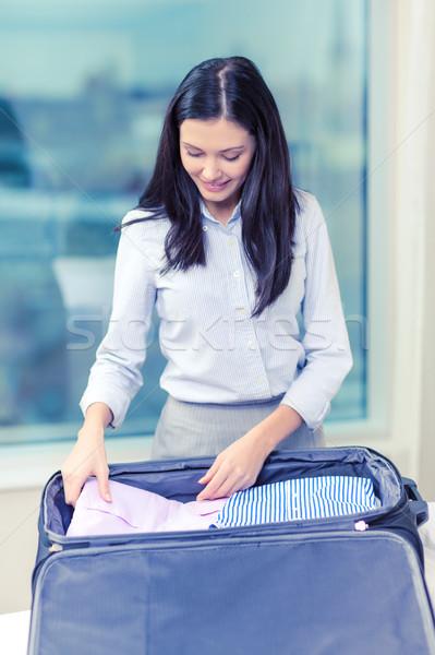 деловая женщина вещи чемодан бизнеса технологий Сток-фото © dolgachov