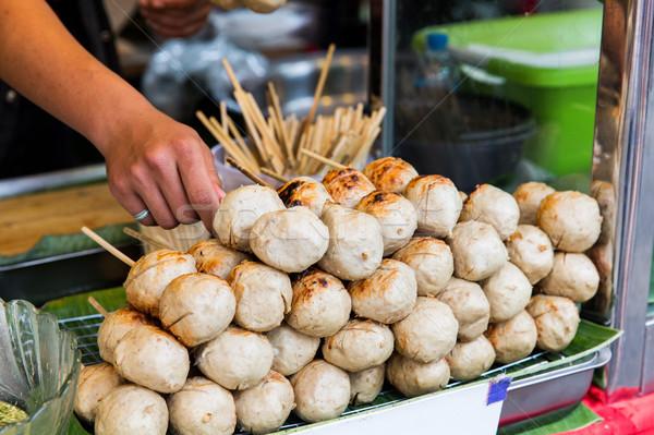 販売者 手 ミートボール 通り 市場 料理 ストックフォト © dolgachov
