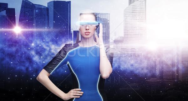 Kobieta faktyczny rzeczywistość okulary przestrzeni miasta Zdjęcia stock © dolgachov