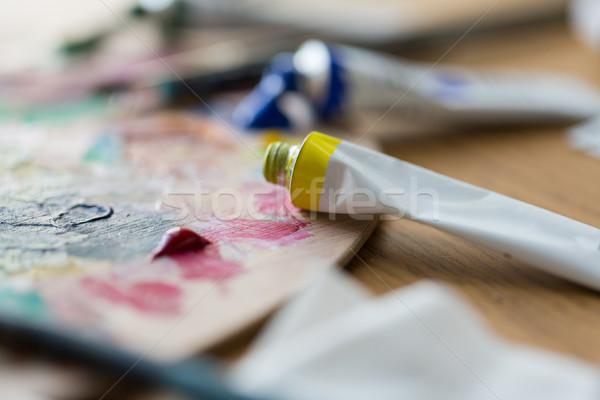 Akrilik renk boya paletine Stok fotoğraf © dolgachov