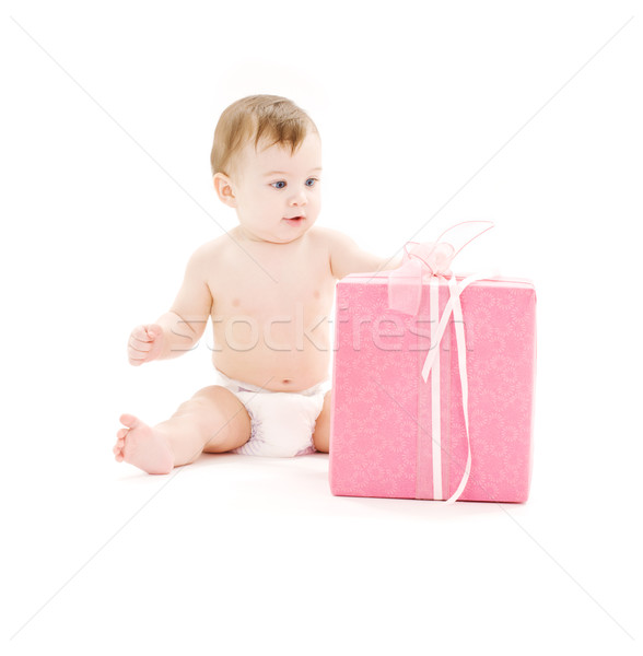 Foto stock: Bebê · menino · fralda · grande · caixa · de · presente · quadro