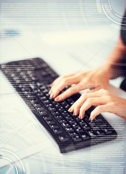 Mulher mãos datilografia teclado negócio educação Foto stock © dolgachov