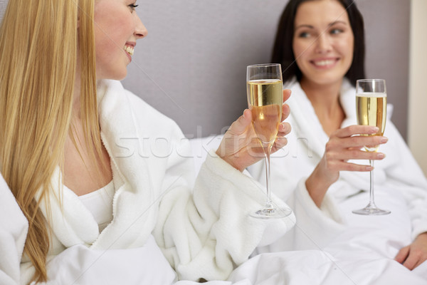 Foto stock: Feliz · mujeres · champán · gafas · vacaciones · celebración