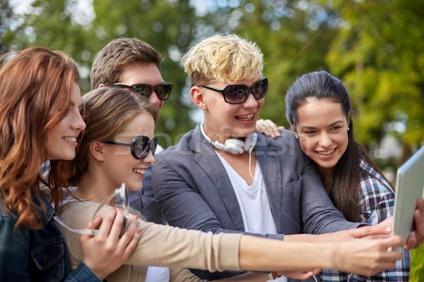 Studentów nastolatków lata technologii Zdjęcia stock © dolgachov