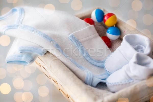 Bebê roupa recém-nascido menino cesta Foto stock © dolgachov