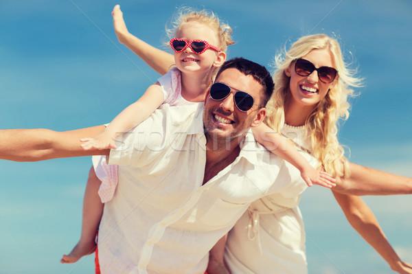 幸せな家族 青空 家族 夏休み 採用 ストックフォト © dolgachov