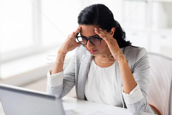 Stockfoto: Zakenvrouw · laptop · kantoor · zakenlieden · termijn