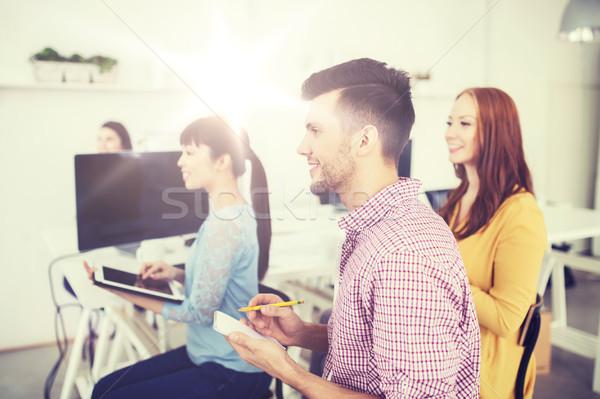 Creative équipe conférence séminaire bureau affaires Photo stock © dolgachov