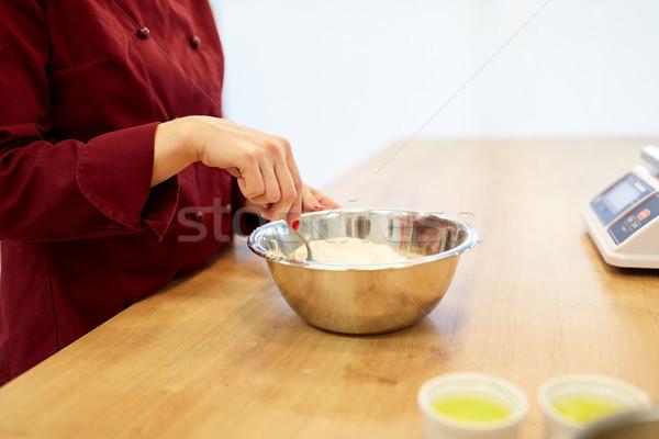 Chef meel kom koken voedsel Stockfoto © dolgachov