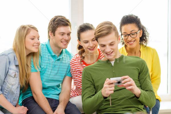 Mosolyog diákok digitális fényképezőgép iskola oktatás szabadidő Stock fotó © dolgachov