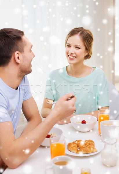 Сток-фото: улыбаясь · пару · завтрак · домой · продовольствие · люди