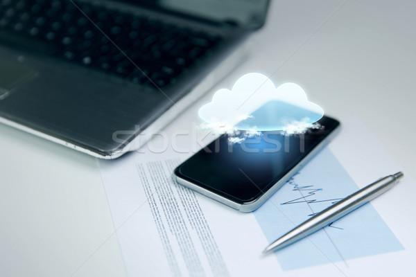 スマートフォン 雲のアイコン 投影 ビジネス 技術 ストックフォト © dolgachov