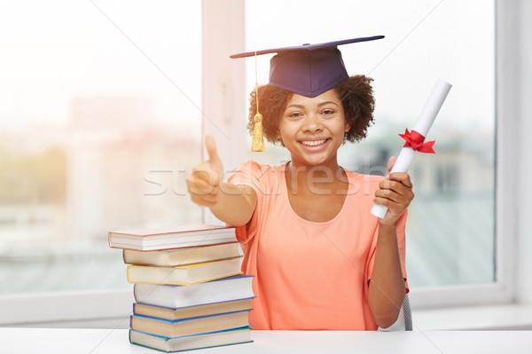 ストックフォト: 幸せ · アフリカ · 学士 · 少女 · 図書 · 証書