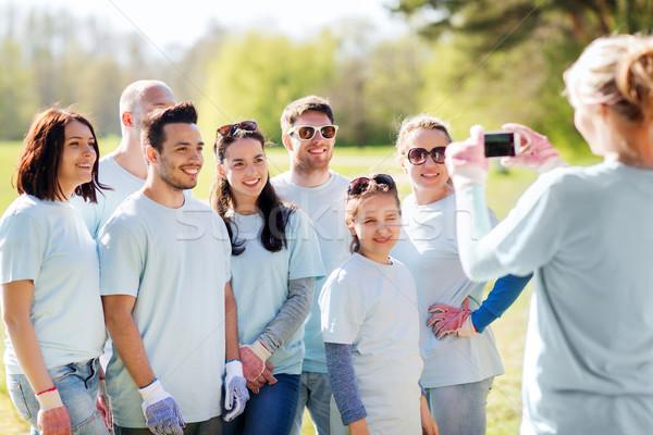 Grup resim gönüllü Stok fotoğraf © dolgachov