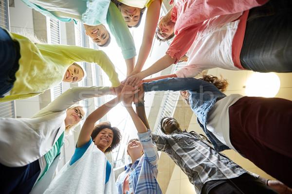 グループ 国際 学生 手 先頭 教育 ストックフォト © dolgachov