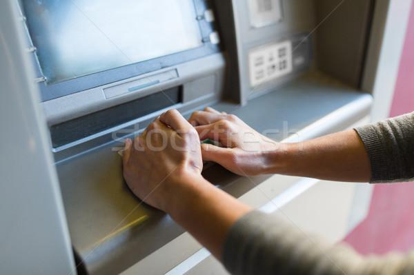 Mão pin código caixa eletrônico máquina Foto stock © dolgachov