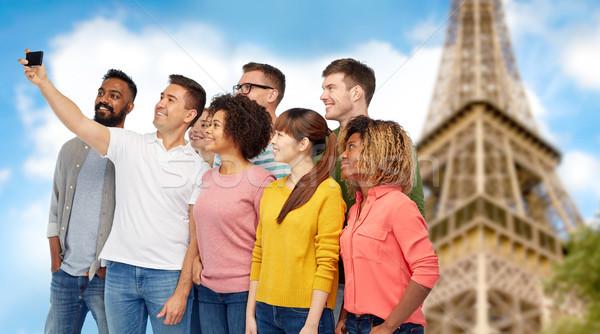 Stockfoto: Groep · mensen · smartphone · reizen · toerisme · diversiteit