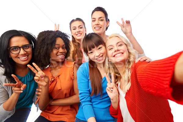 Międzynarodowych grupy szczęśliwy kobiet różnorodności Zdjęcia stock © dolgachov