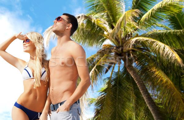 Szczęśliwy para okulary egzotyczny lata plaży Zdjęcia stock © dolgachov