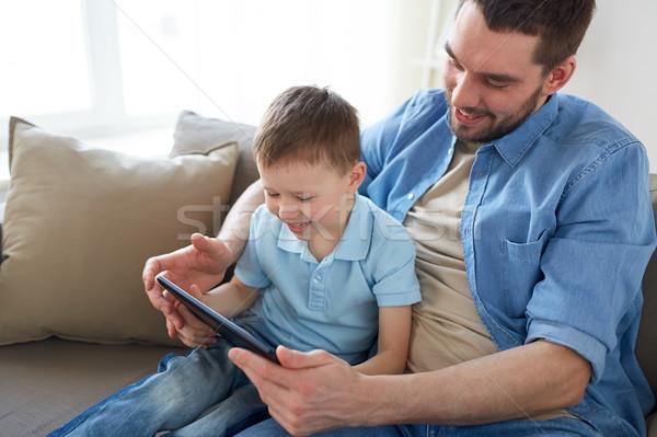 Père en fils jouer maison famille paternité Photo stock © dolgachov