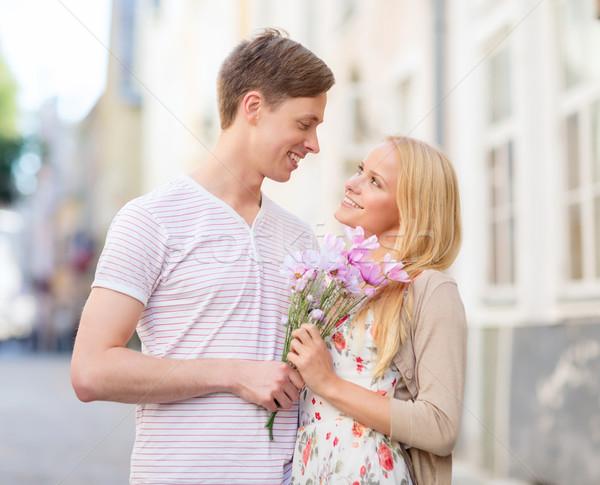 Coppia fiori città estate vacanze amore Foto d'archivio © dolgachov