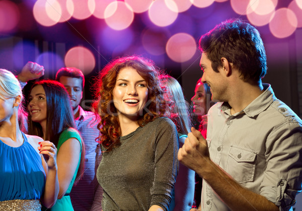 Glimlachend vrienden dansen club partij vakantie Stockfoto © dolgachov