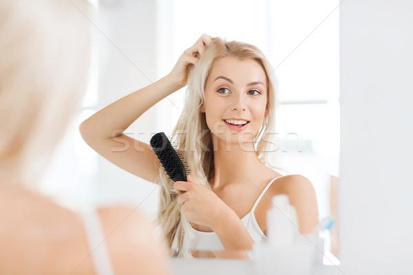 幸せ 女性 髪 櫛 バス 美 ストックフォト © dolgachov