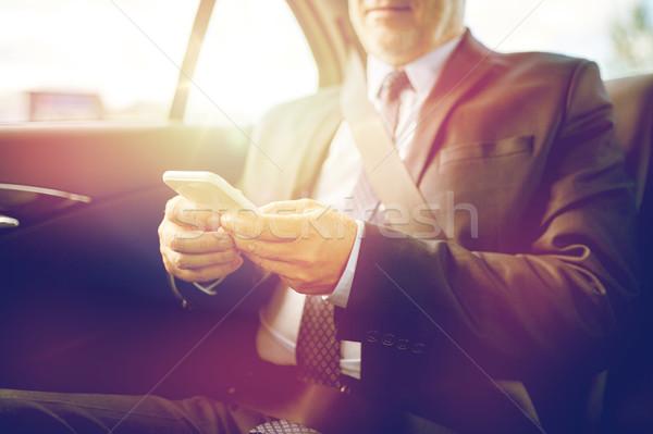 Stockfoto: Senior · zakenman · smartphone · auto · vervoer
