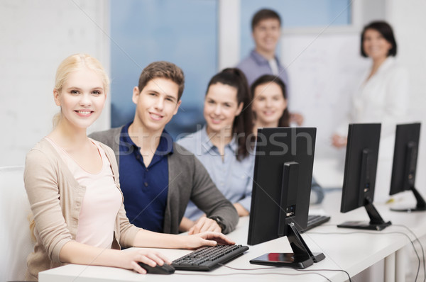 学生 コンピュータモニター 学校 教育 技術 インターネット ストックフォト © dolgachov
