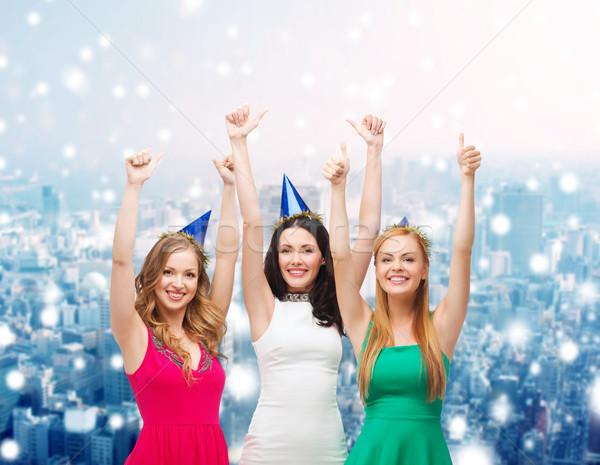 Mosolyog nők buli mutat remek ünnepek Stock fotó © dolgachov