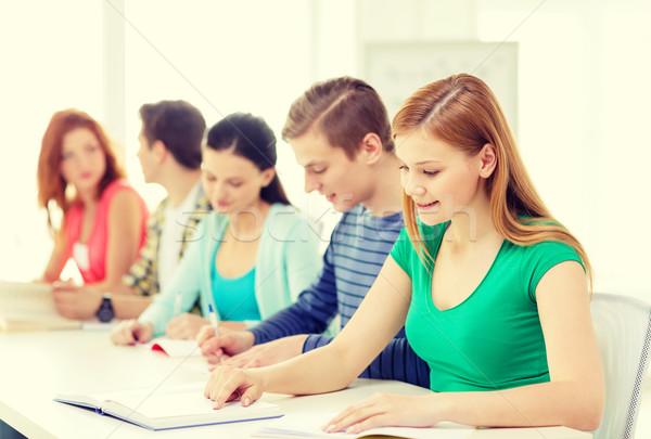 Studenti libri di testo libri scuola istruzione cinque Foto d'archivio © dolgachov