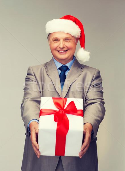 Glimlachend man pak helper hoed Stockfoto © dolgachov