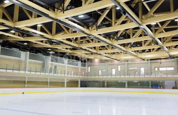 Korcsolyázás pálya bent téli sport építészet szabadidő Stock fotó © dolgachov