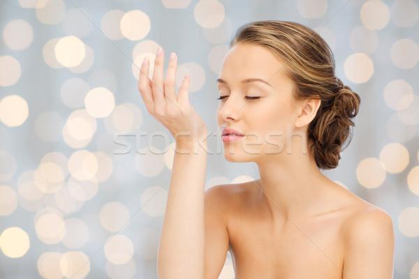 Stockfoto: Vrouw · parfum · pols · hand · schoonheid · aroma