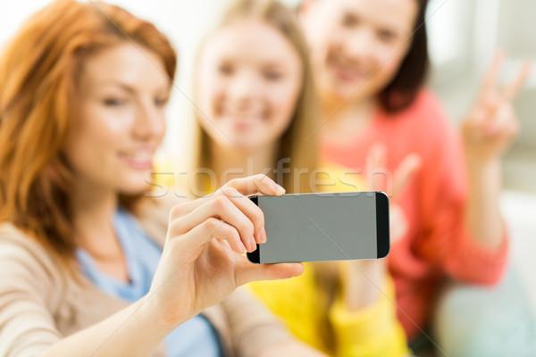 Stockfoto: Vrienden · smartphone · mensen · technologie