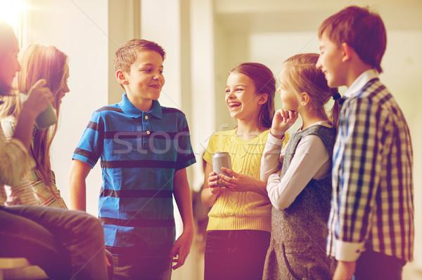 Csoport iskola gyerekek üdítő folyosó oktatás Stock fotó © dolgachov