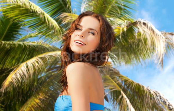 Gelukkig vrouw bikini zwempak palmboom mensen Stockfoto © dolgachov