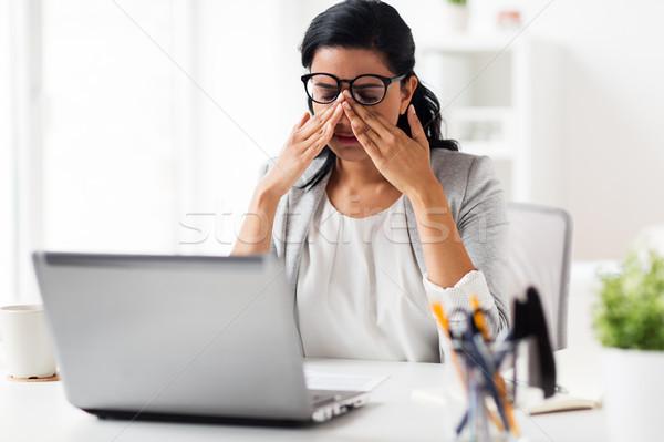 Zakenvrouw moe ogen kantoor business termijn Stockfoto © dolgachov